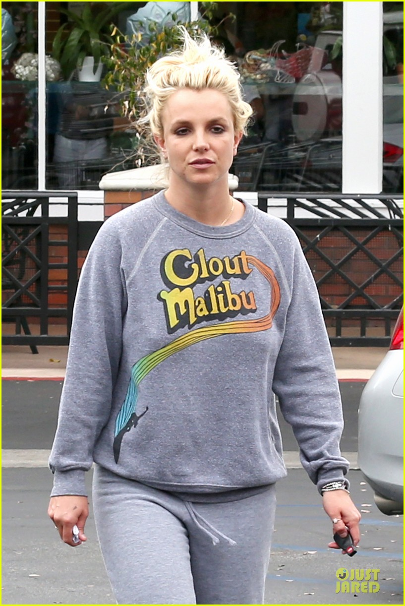britney spears errands after movies with the boys 02