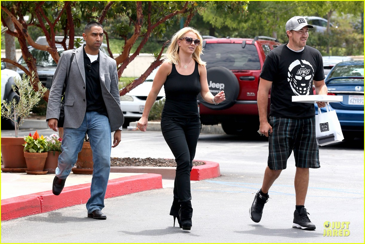 britney spears david lucado napa tavern lunch date 07