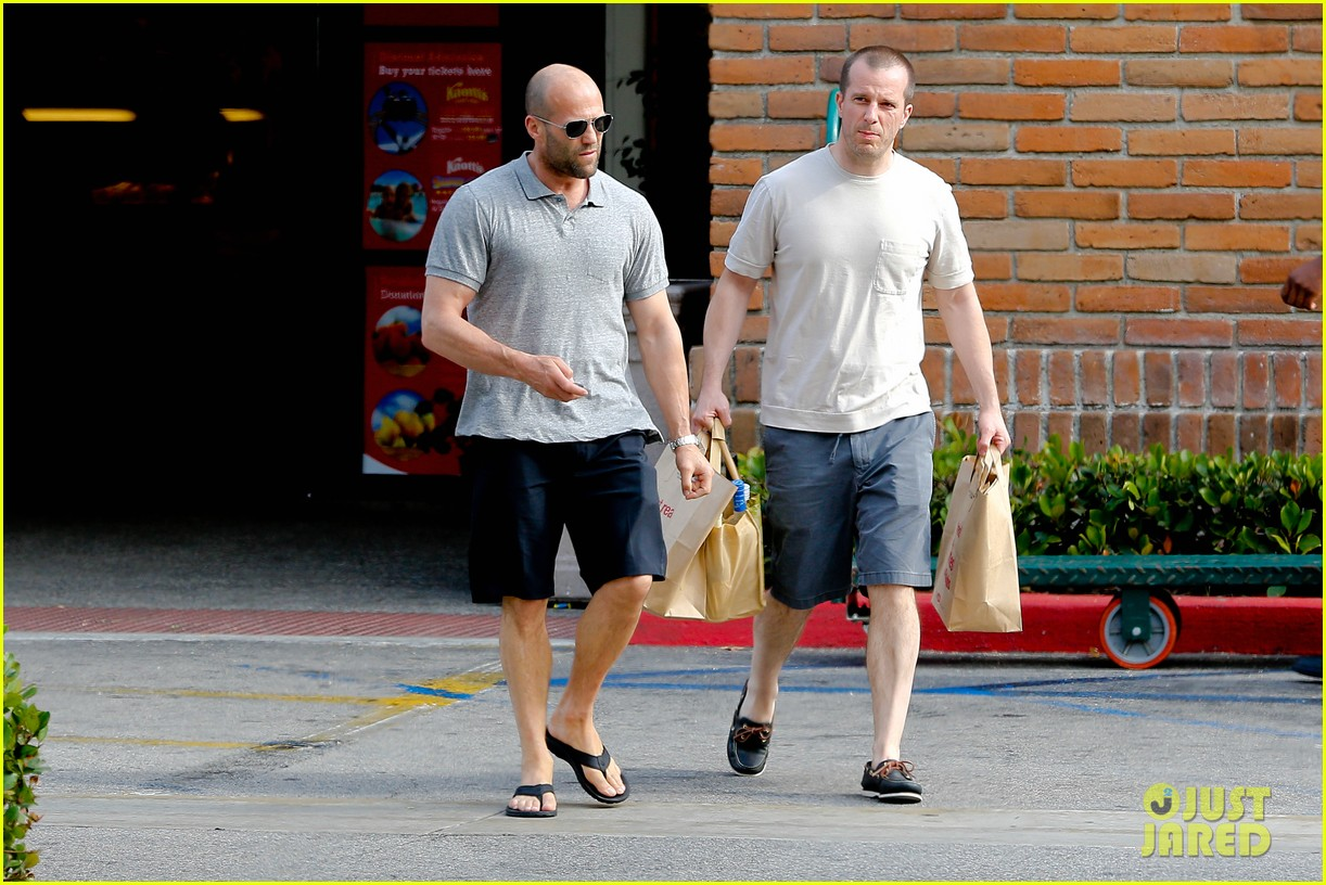 jason statham pre fourth of july grocery run 122903876
