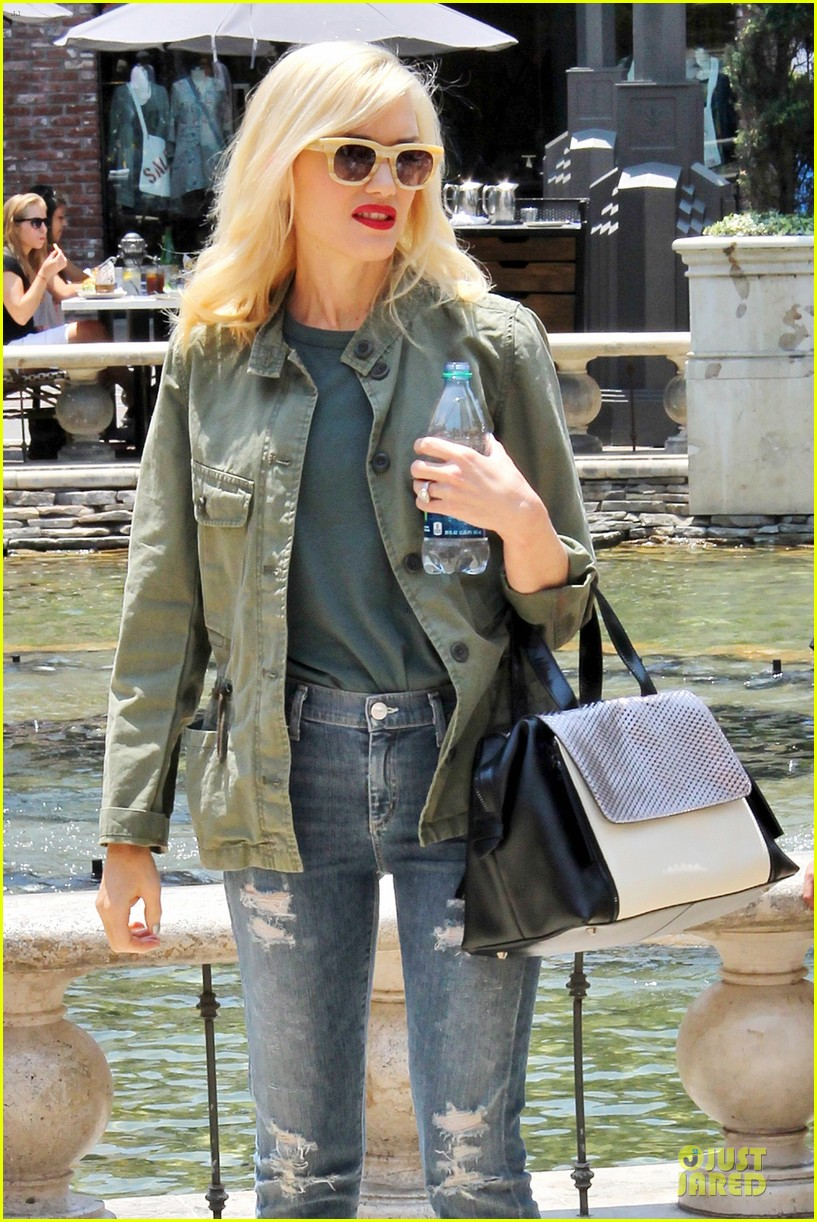 gwen stefani family filled knotts berry farm 062914300