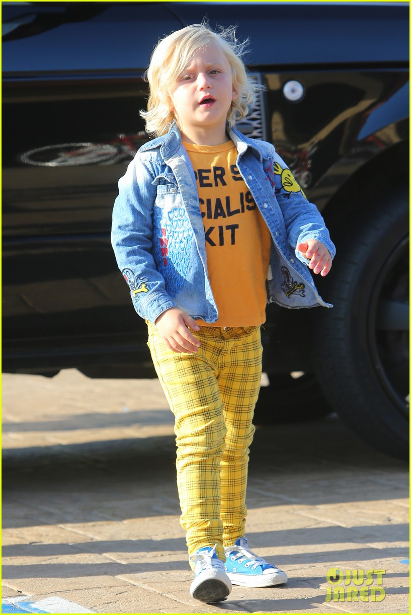 gwen stefani kids have sunday dinner at nobu 132909546