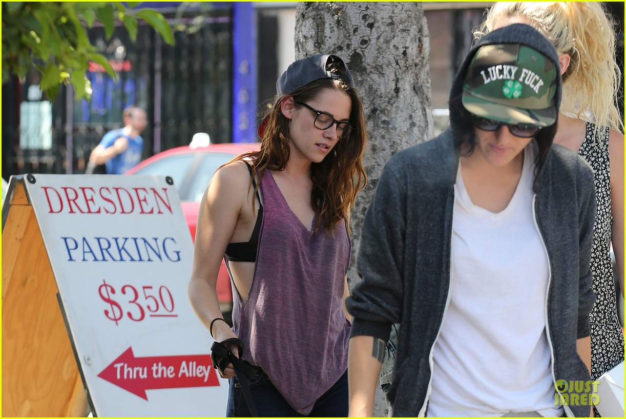 kristen stewart bra revealing walk with new puppy 042920412