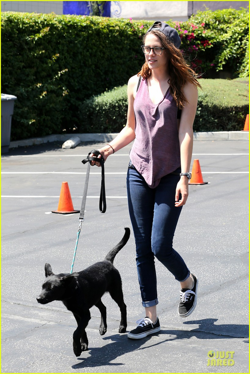 kristen stewart bra revealing walk with new puppy 112920419