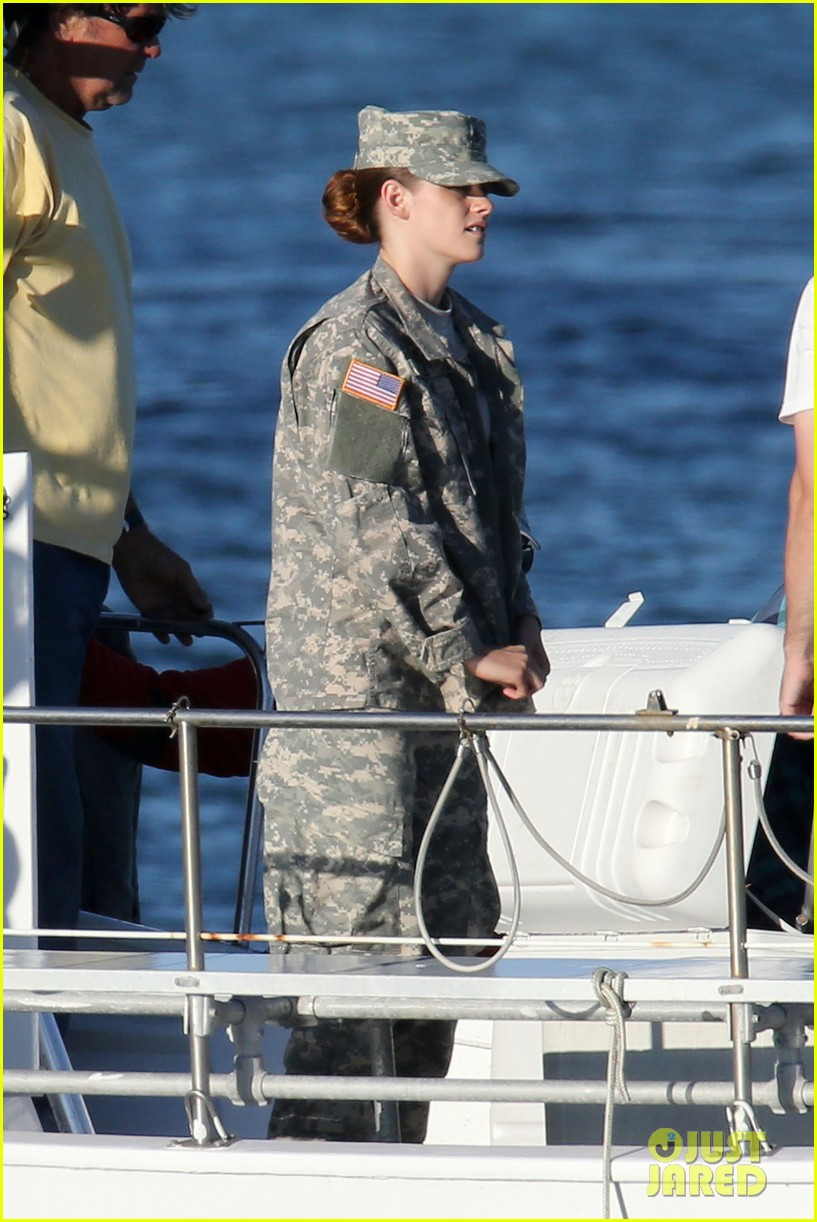 kristen stewart wears army uniform relaxes with beer 01