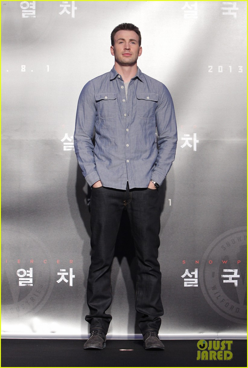 tilda swinton chris evans snowpiercer seoul press conference 07