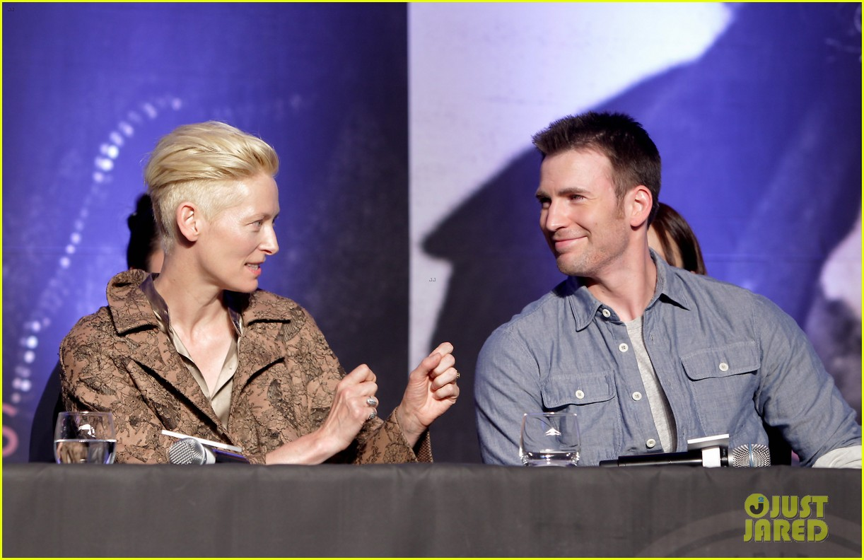 tilda swinton chris evans snowpiercer seoul press conference 12