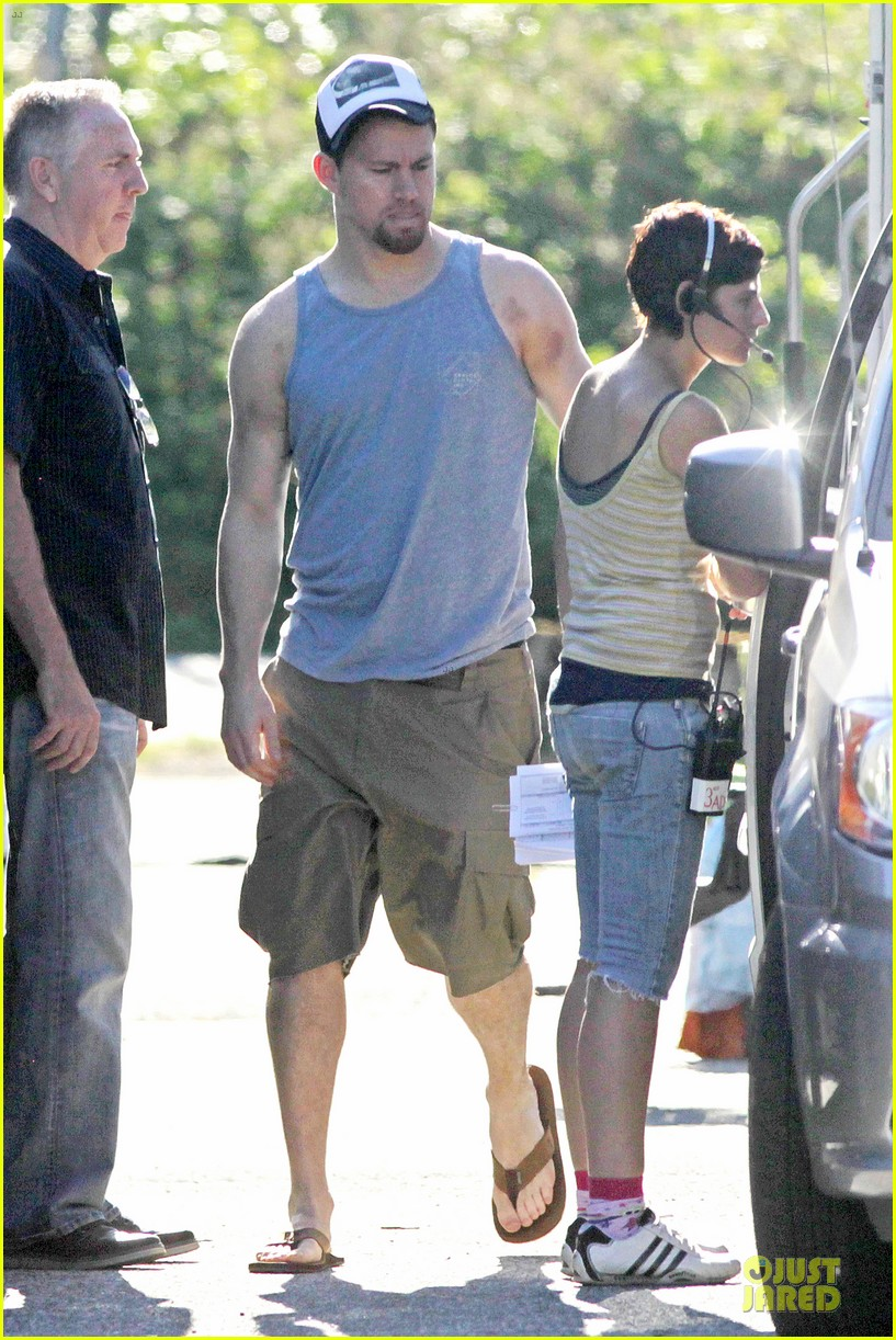 channing tatum visits jenna dewan on witches of east end set 072914770