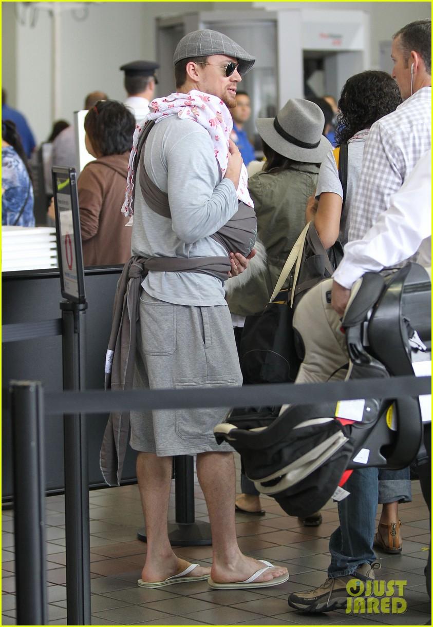 channing tatum jenna dewan tatum lax departure with baby everly 07