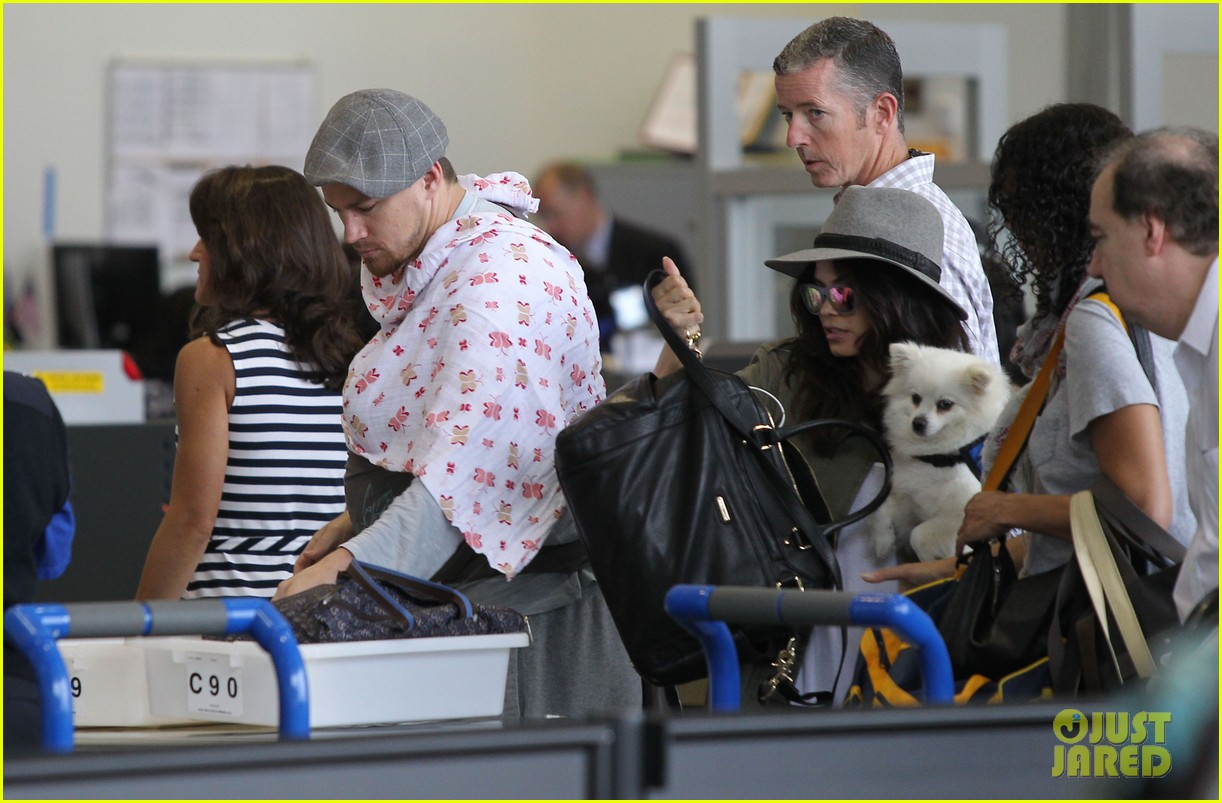 channing tatum jenna dewan tatum lax departure with baby everly 08