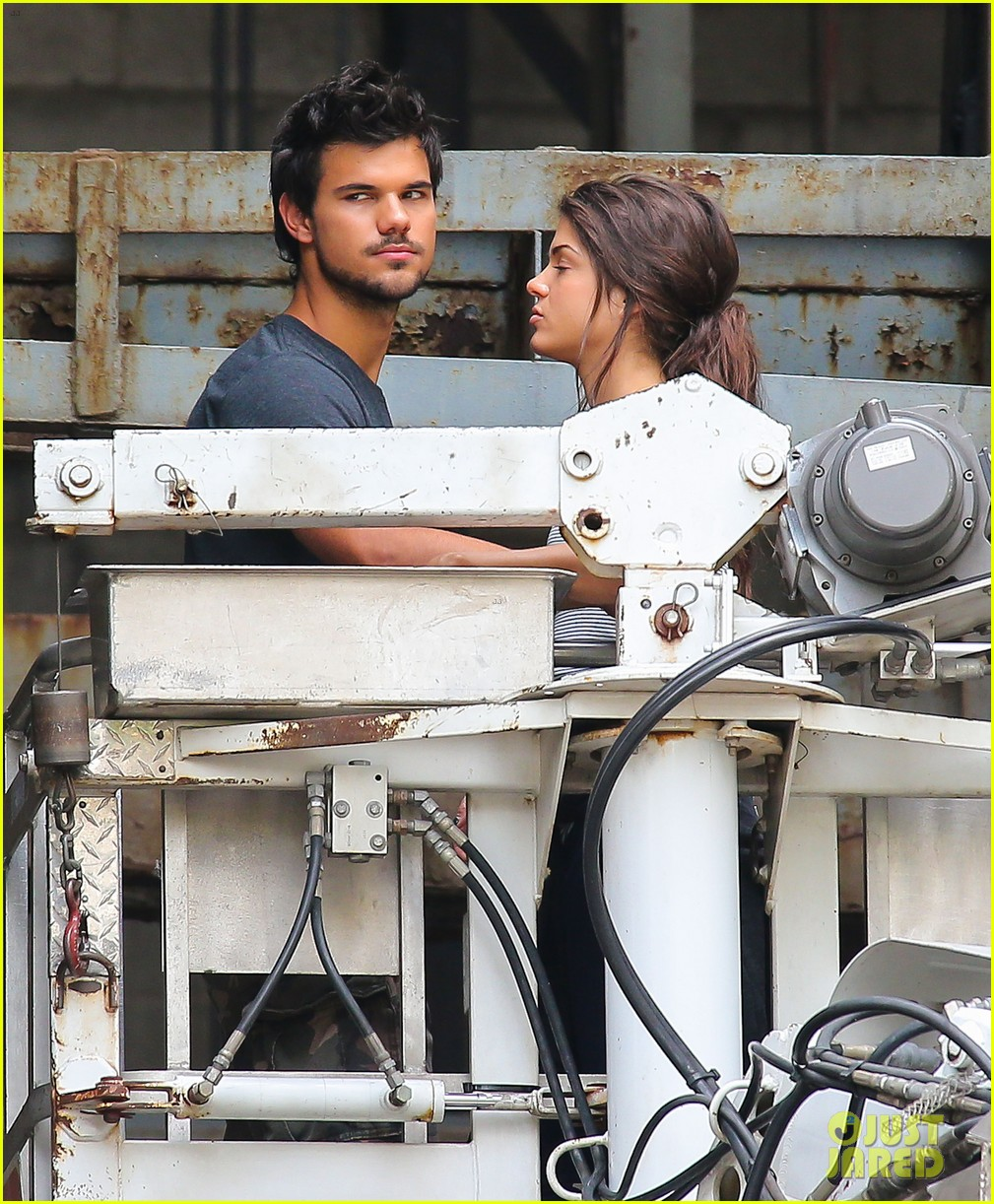 taylor lautner marie avgeropoulos tracers romance 09