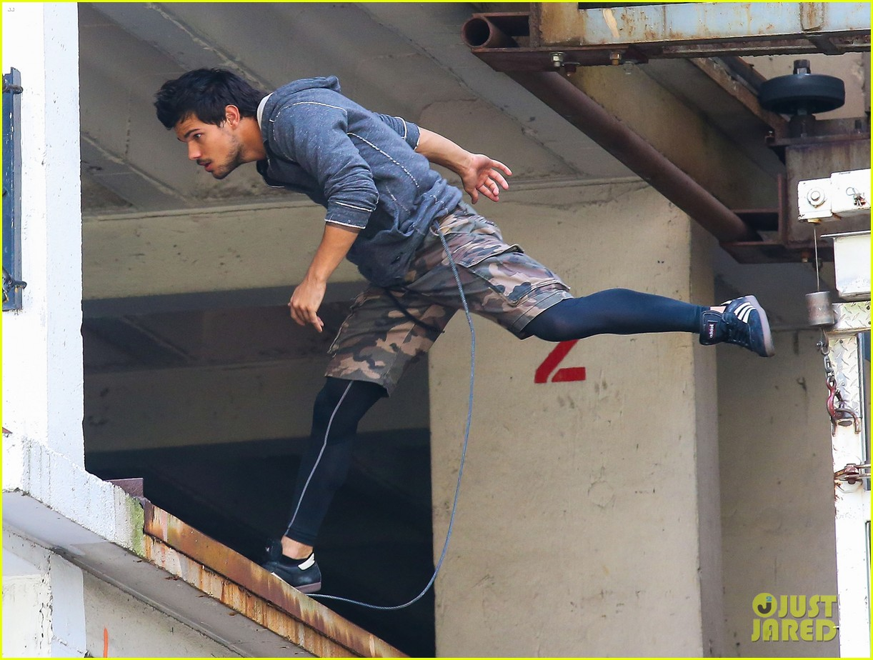 taylor lautner marie avgeropoulos tracers romance 14