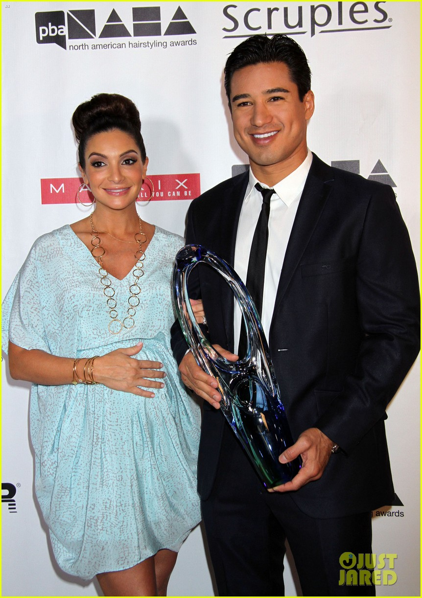 dita von teese mario lopez north american hairstyling awards 12