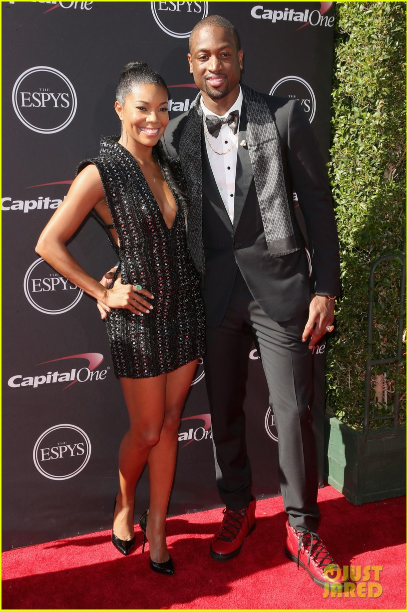 gabrielle union dwyane wade espys 2013 red carpet 012911074