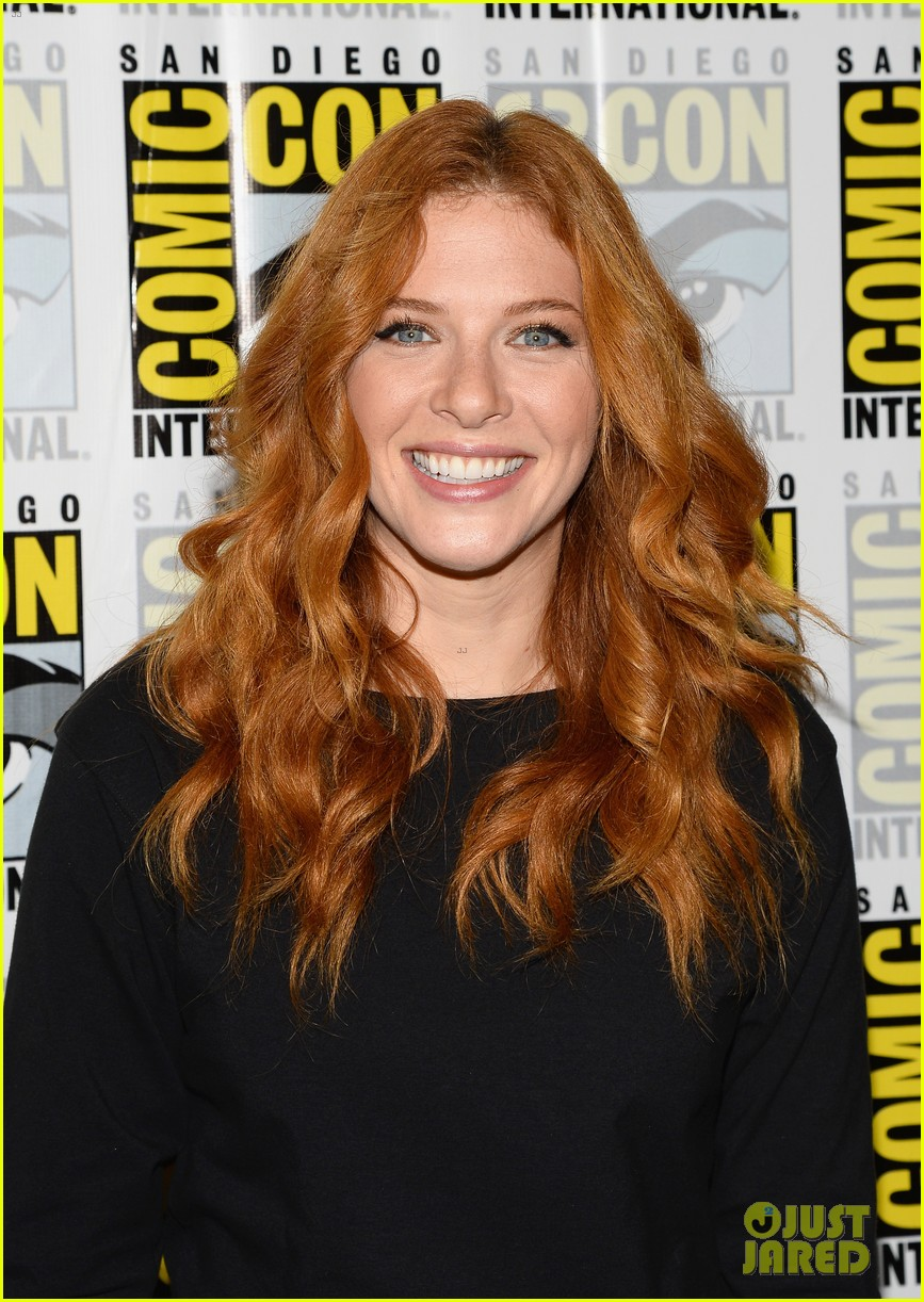 mike vogel rachelle lefevre under the dome at comic con 092913408