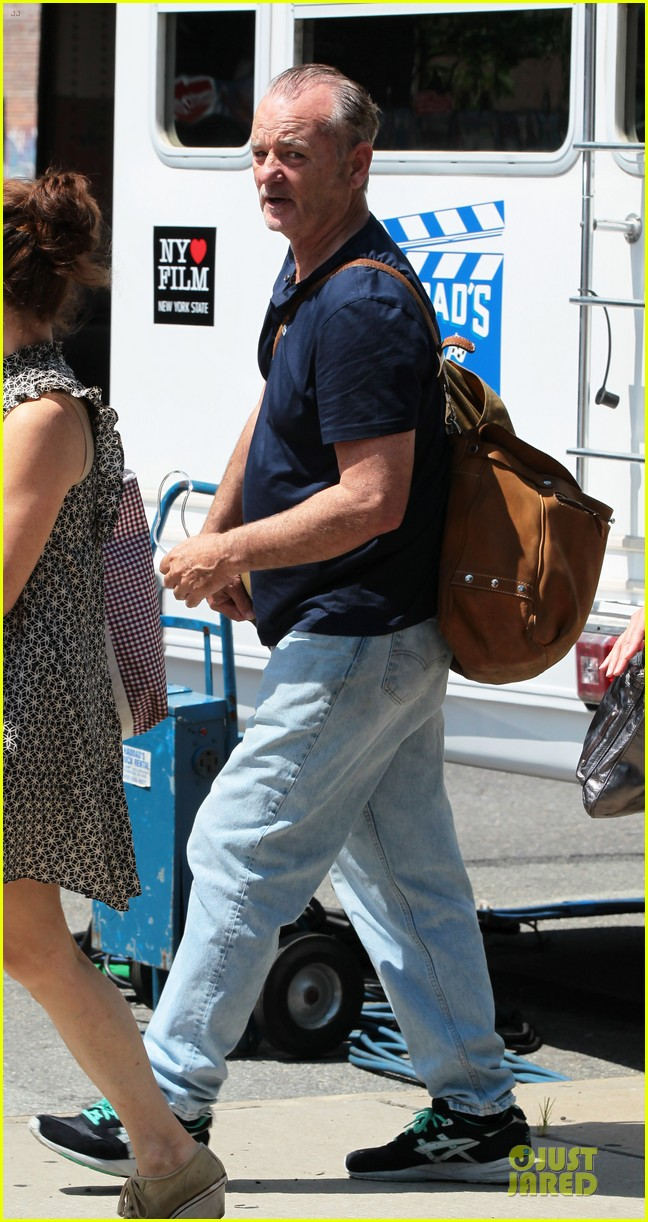 naomi watts fake baby bump on st vincent de van nuys set 052906336