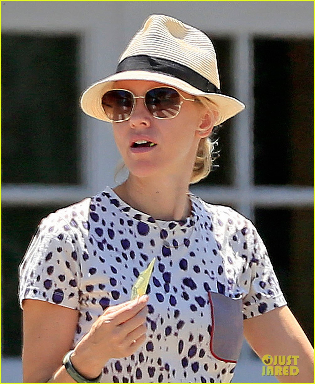 naomi watts spends fourth of july in the hamptons 032904728