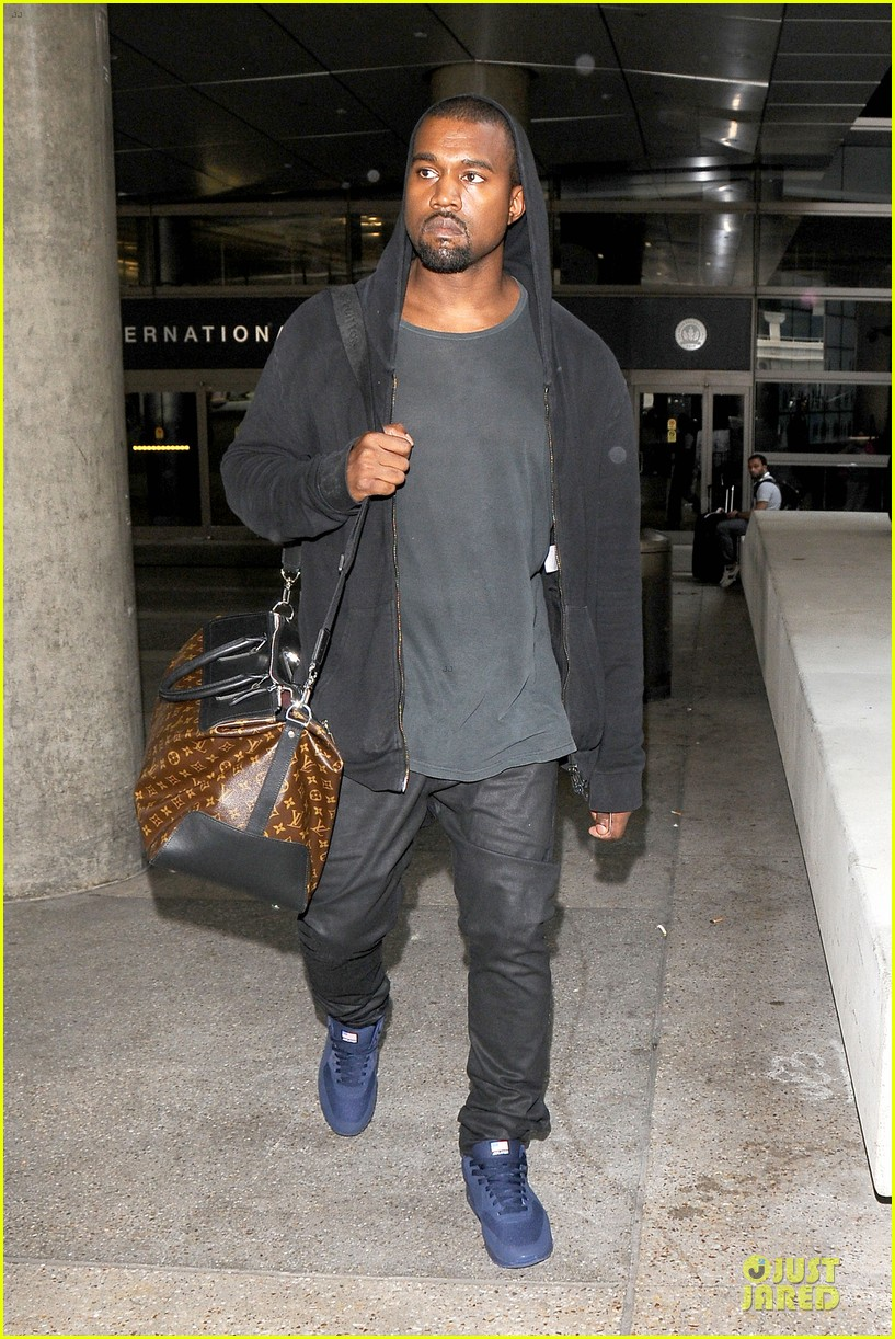 kanye west felony suspect after lax photographer scuffle 14