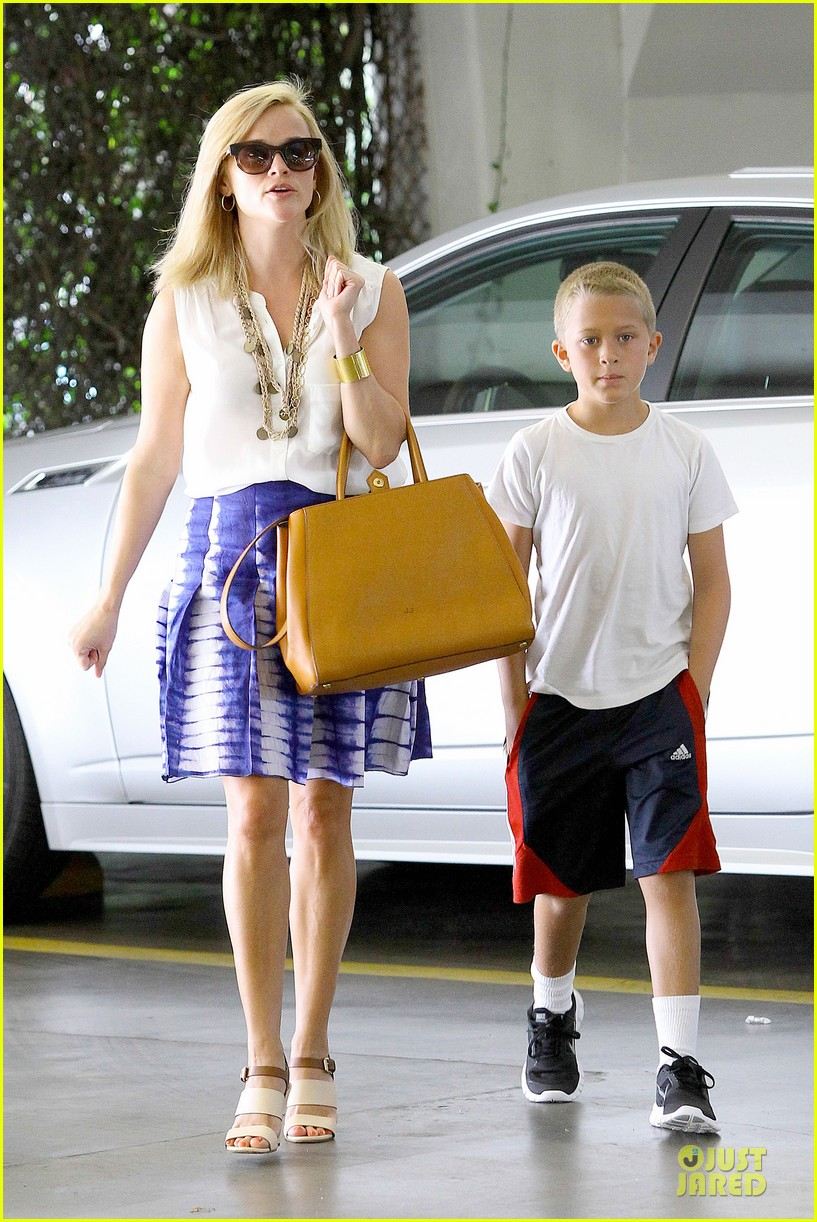 reese witherspoon excited to bring wild to big screen 092915381