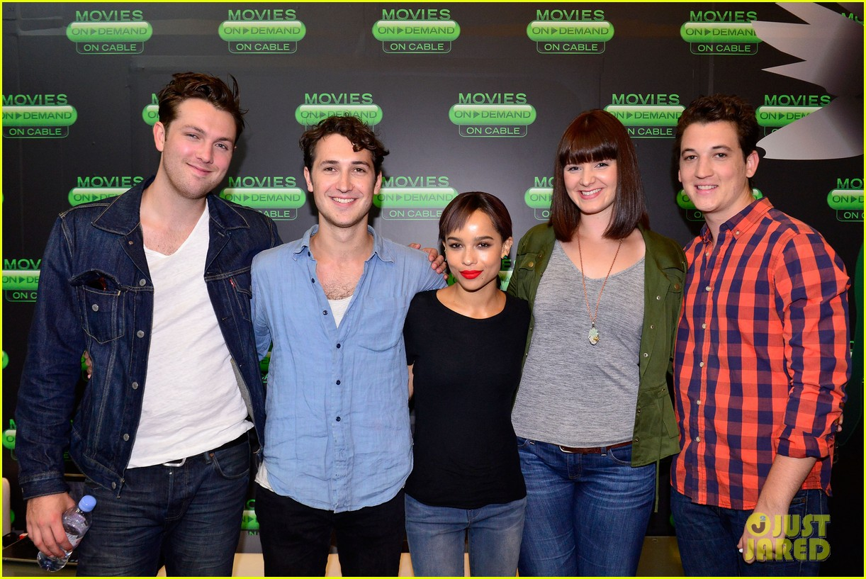 shailene woodley divergent cast make it to comic con 022911579