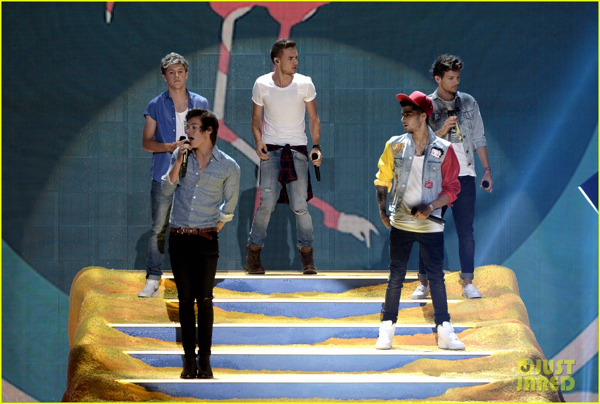 Full Sized Photo of one direction teen choice awards performance 2013 bet at home mobile Casino-App ...