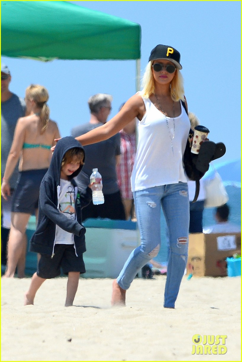 christina aguilera hits the beach with jordan bratman max 112928714