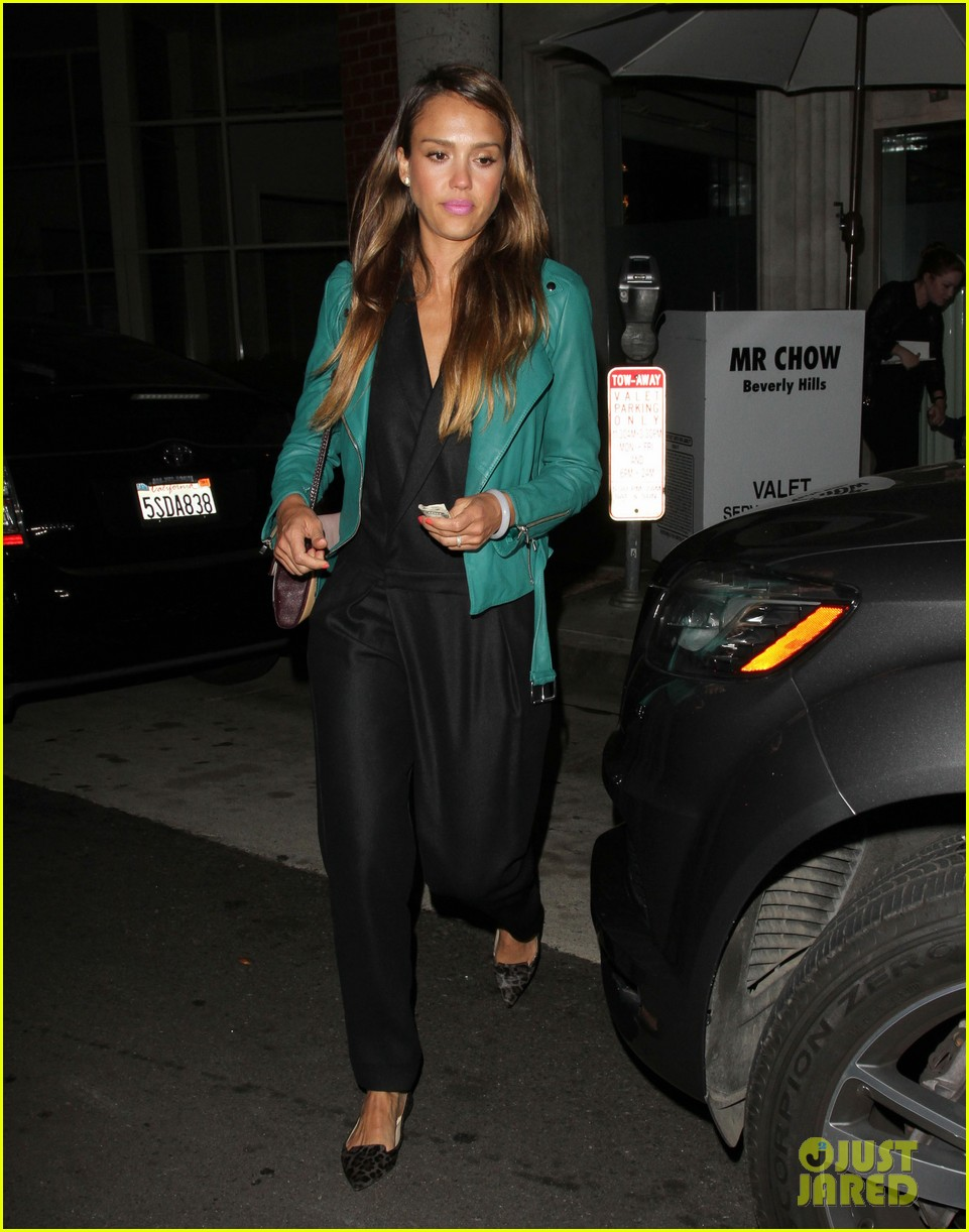 jessica alba cash warren back from the hamptons 072930032