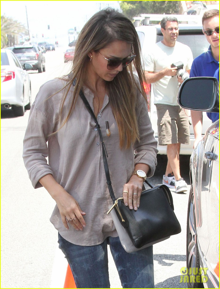 jessica alba honor haven wear matching outfits 322923200