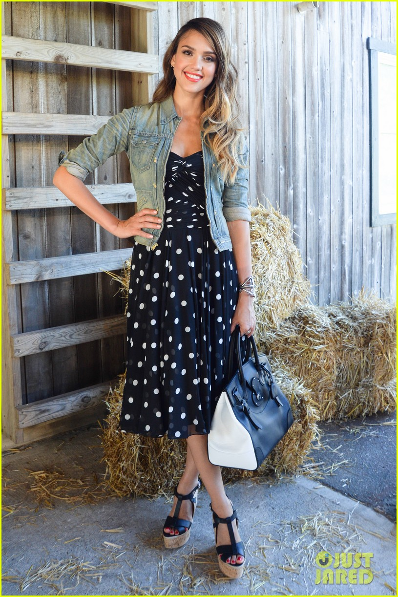 jessica alba ralph laurens day at the stables 09