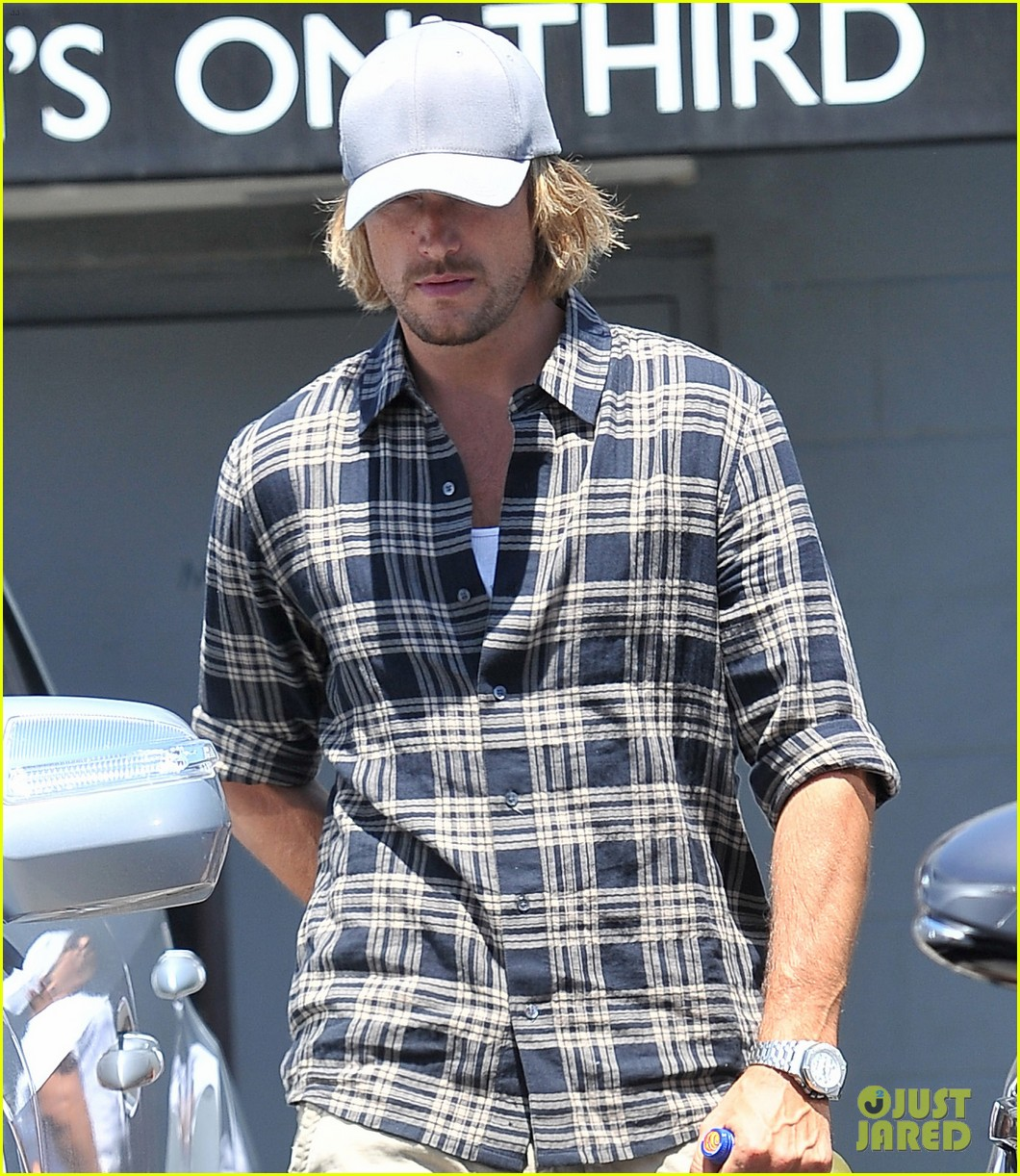 gabriel aubry joans on third lunch with nahla 042934657