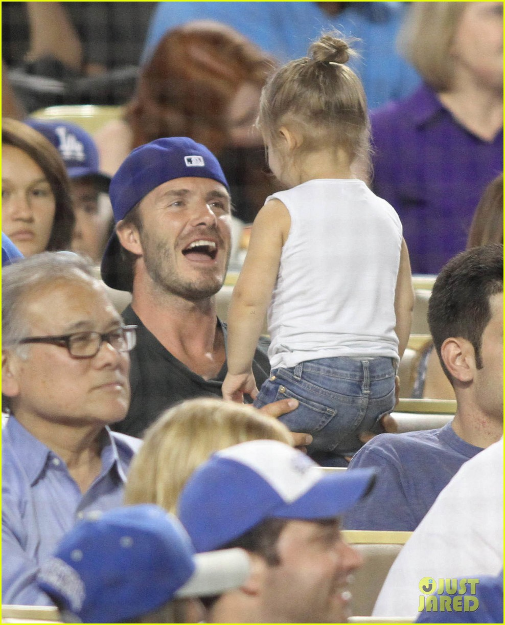 david beckham harper daddy daughter baseball game 022939630
