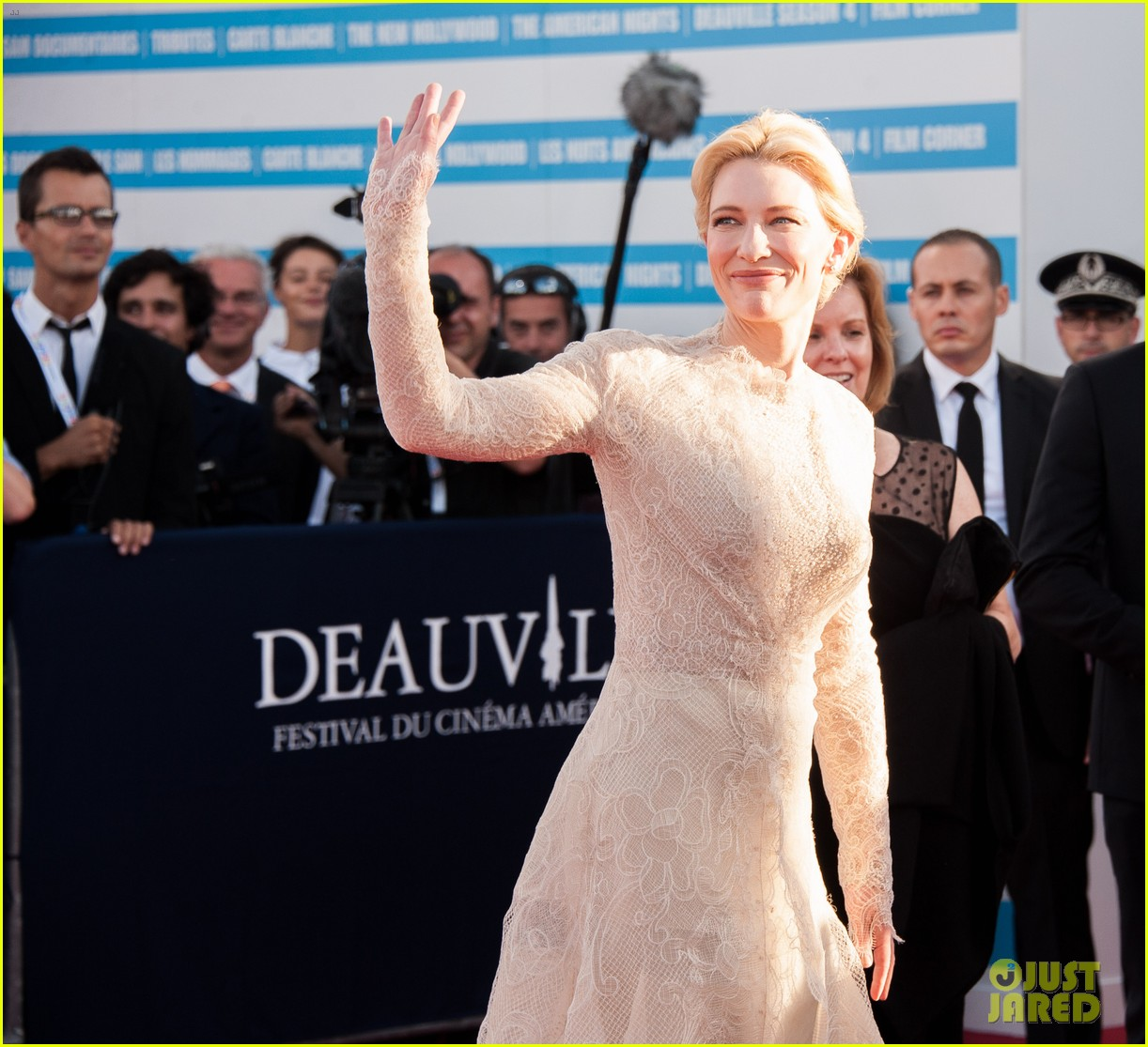 cate blanchett michael douglas deauville opening ceremony 12