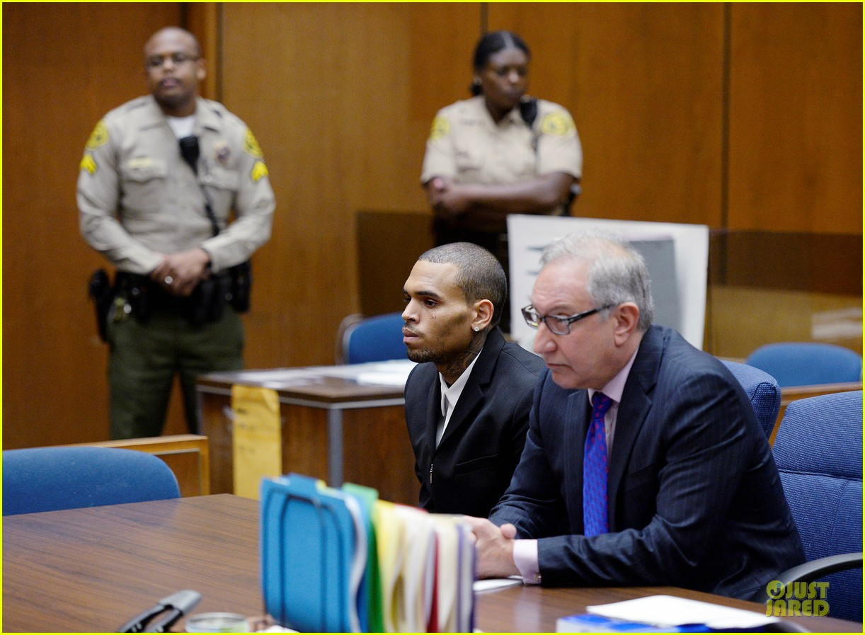 chris brown sentenced to 1000 hours of community labor 05