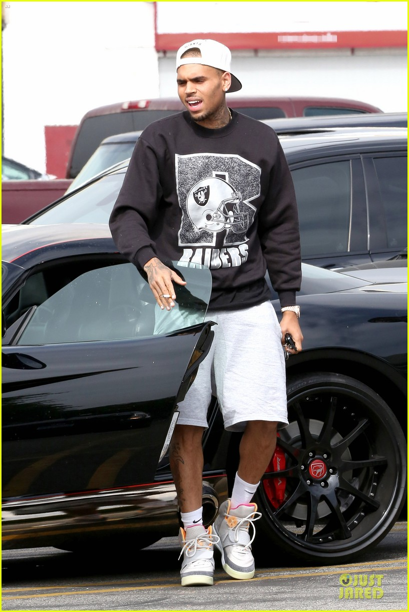 chris brown shoots love more music video 01