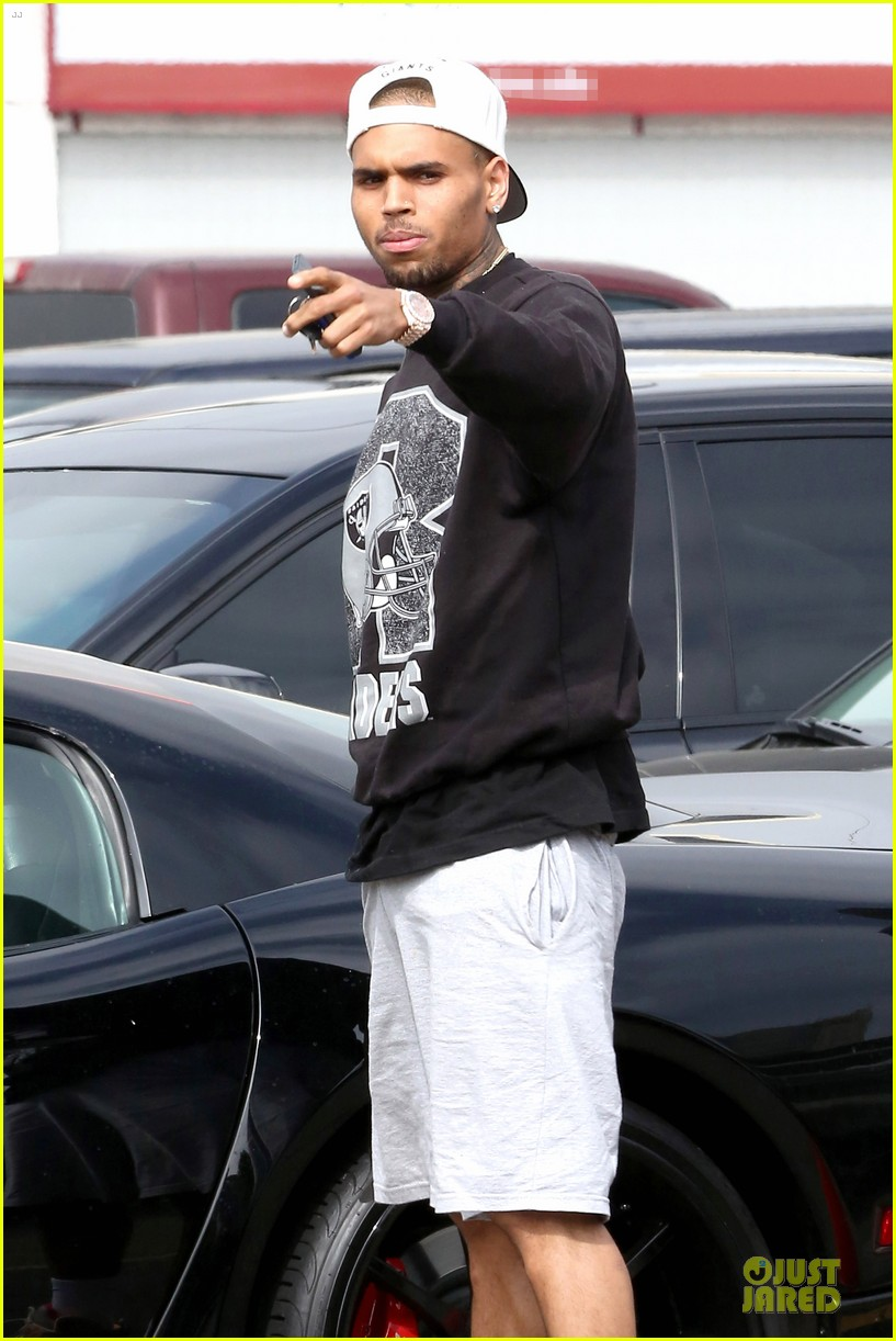 chris brown shoots love more music video 07