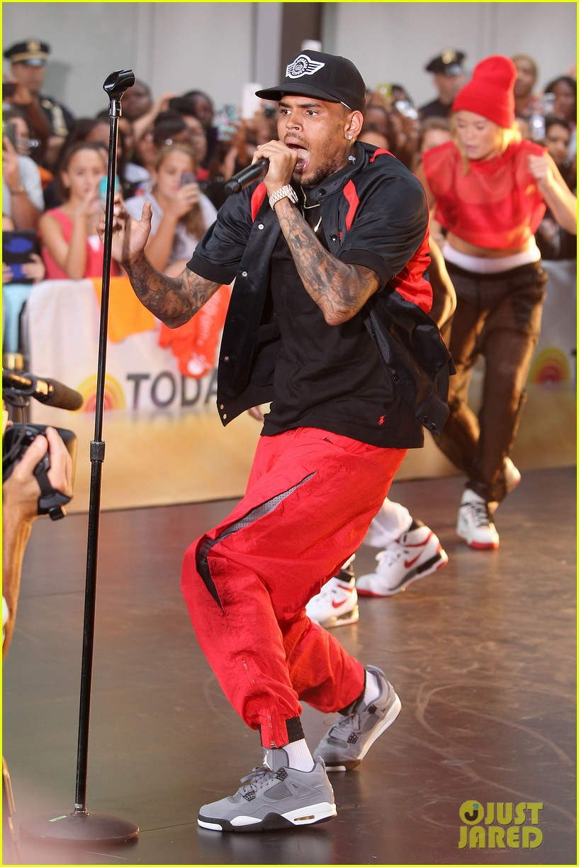 chris browns today show appearance ill keep working for my fans 04