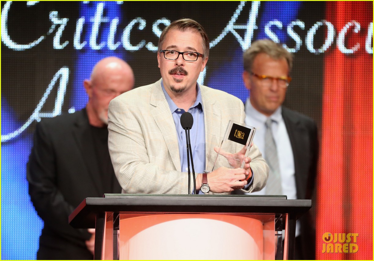 bryan cranston breaking bad wins program of the year tca awards 2013 092923299