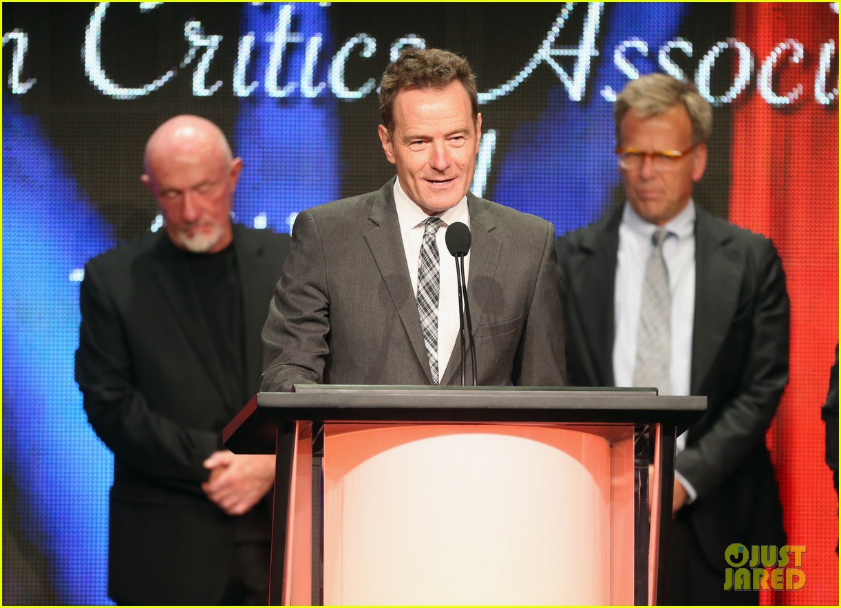 bryan cranston breaking bad wins program of the year tca awards 2013 10