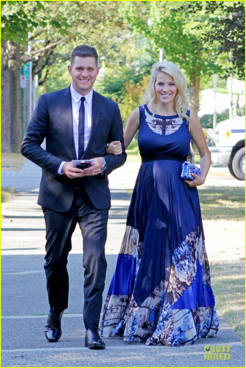 michael buble lusiana lopilato vancouver wedding couple 012928954