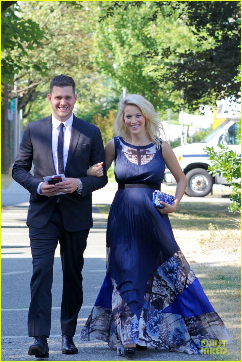 michael buble lusiana lopilato vancouver wedding couple 09