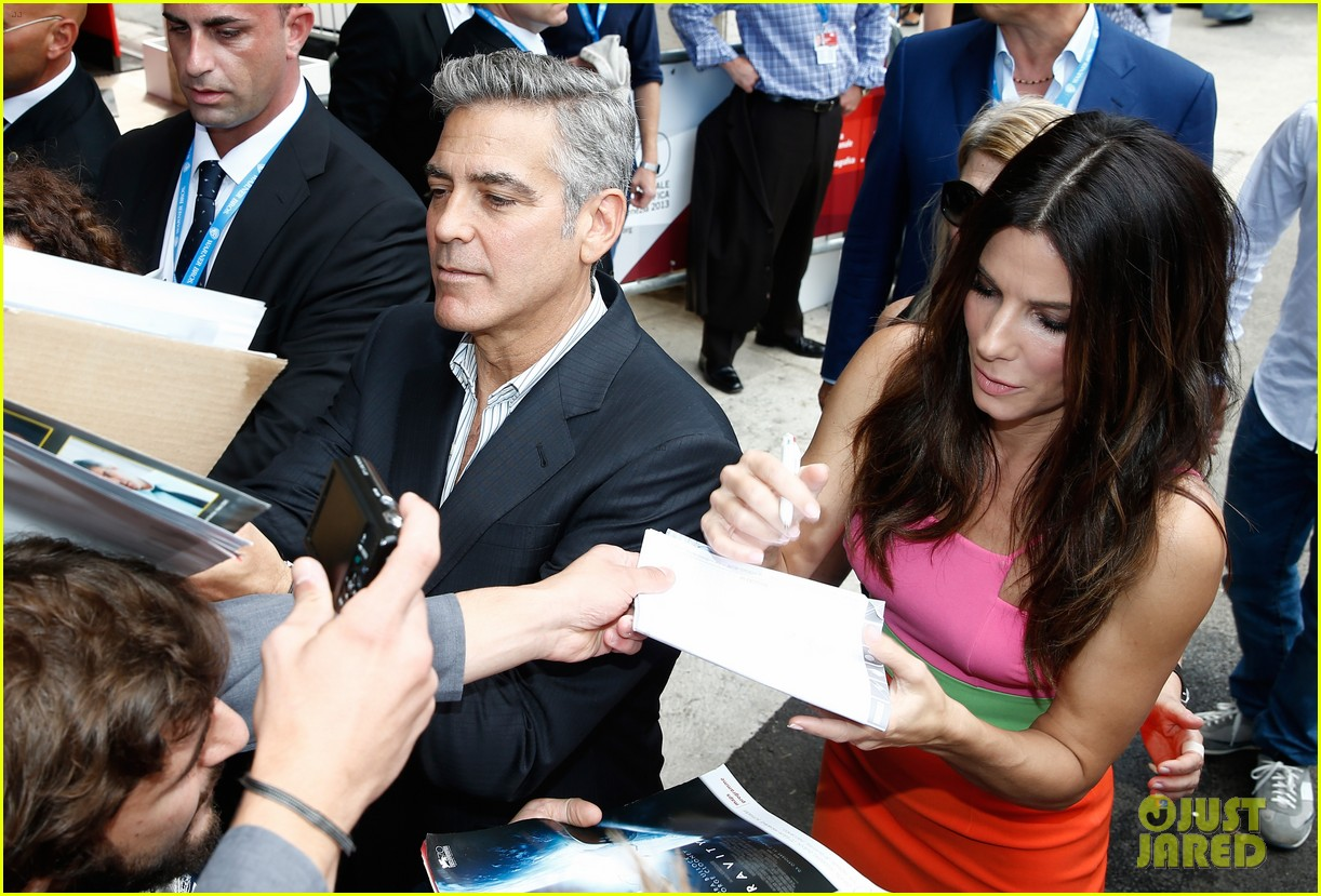 sandra bullock george clooney gravity venice photo call 11
