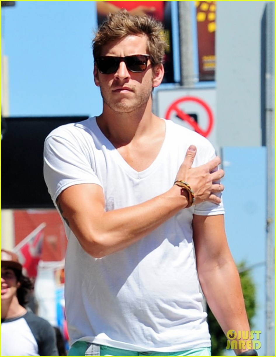 Sophia Bush and DAN FREDINBURG: Melrose Shopping Couple! | Dan.