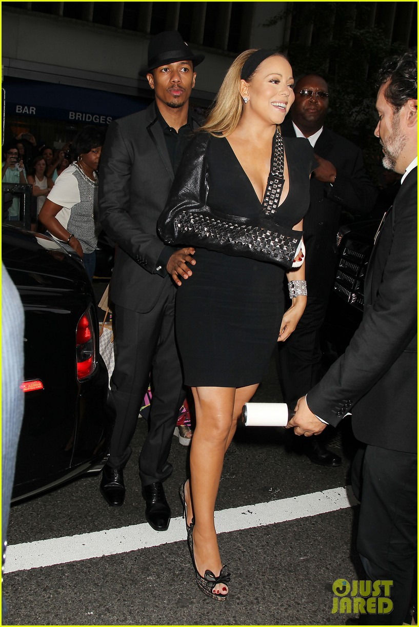 mariah carey wears arm sling to butler new york premiere 032924339