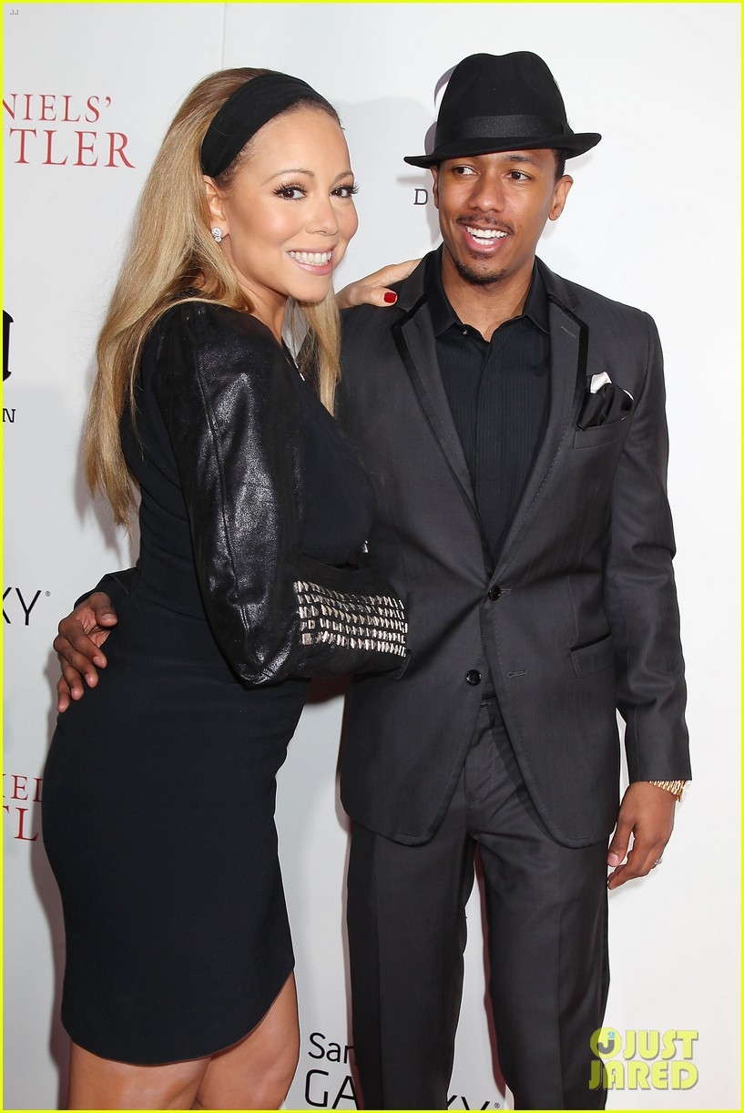 mariah carey wears arm sling to butler new york premiere 14