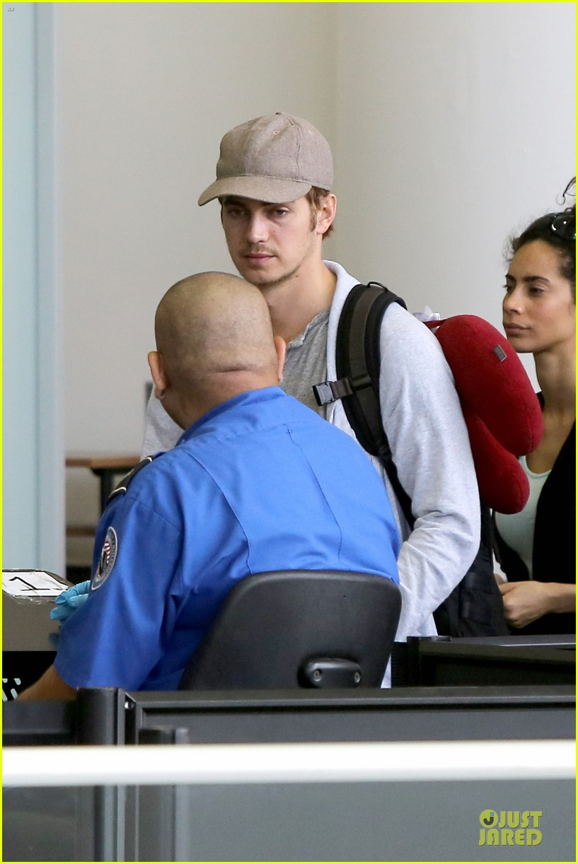 hayden christensen fly yellow stud at lax airport 08
