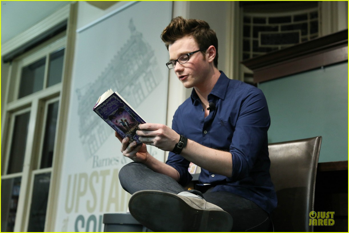 chris colfer land of stories the enchantress returns book event 102924682