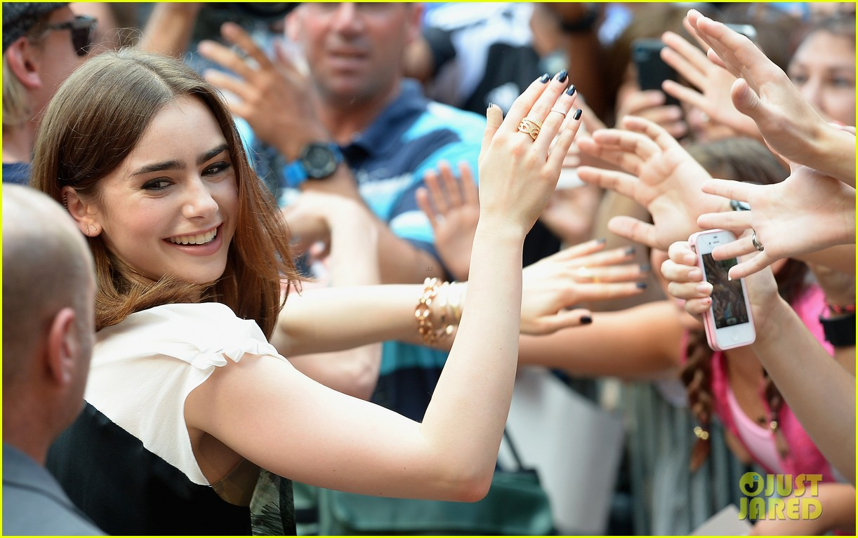 lily collins jamie campbell bower mortal instruments in miami 082921627