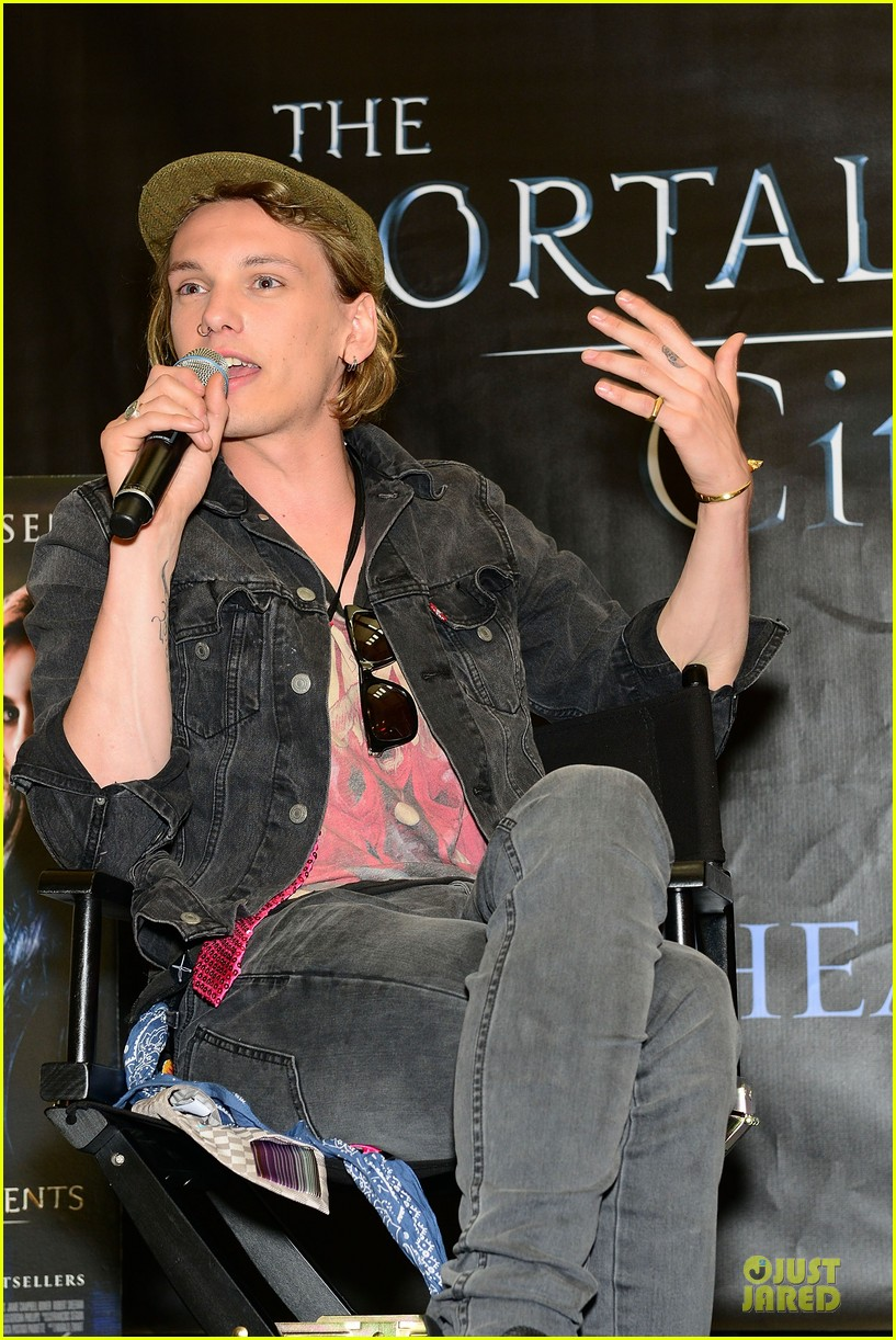 lily collins jamie campbell bower city of bones philly signing 14