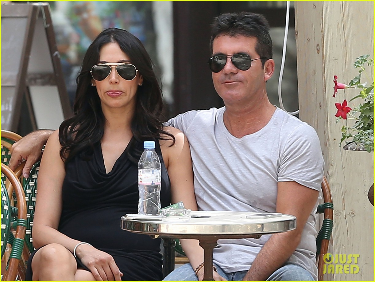 simon cowell lauren silverman hold hands in st tropez 122938284