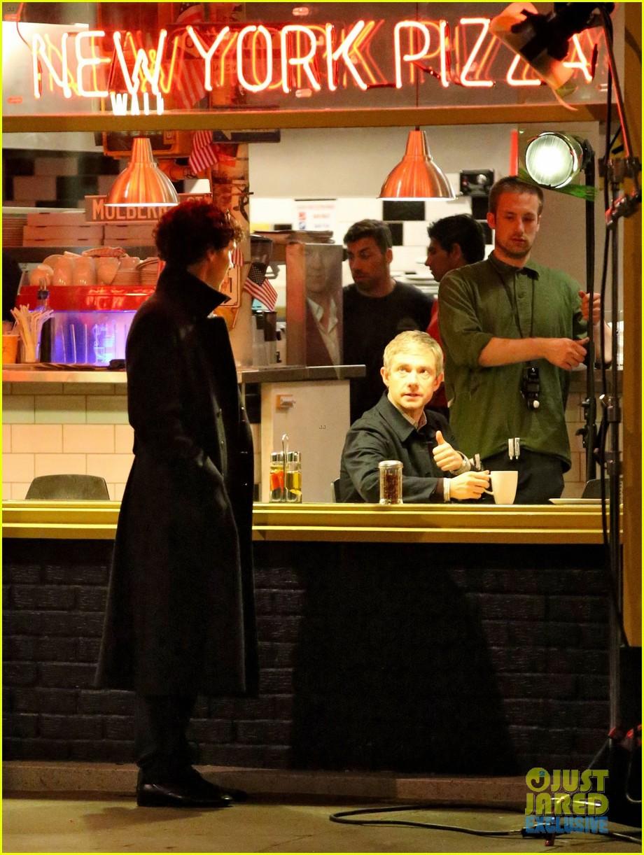 benedict cumberbatch films sherlock at new york pizza joint 13