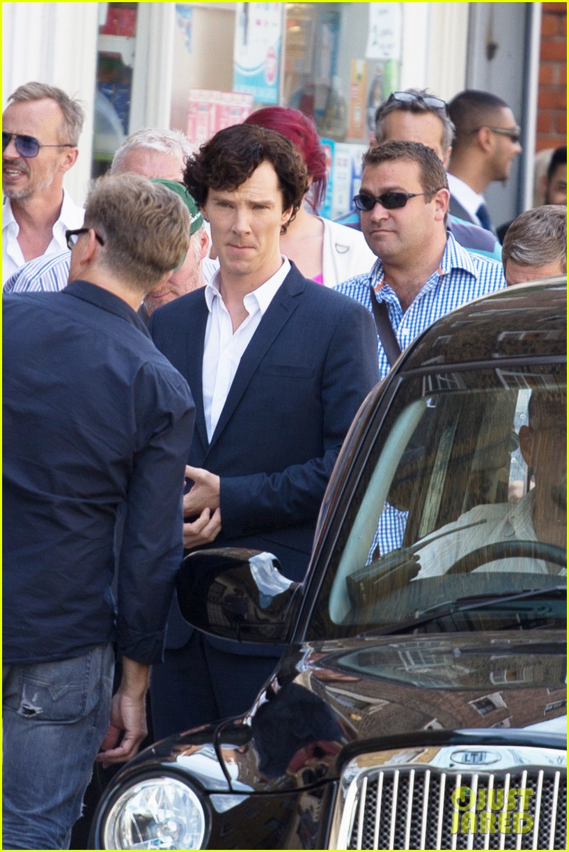 benedict cumberbatch suits up for sherlock 062934736